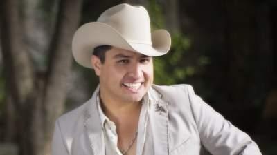 Julión Álvarez debuta como actor y dice que cantaría pop o rock