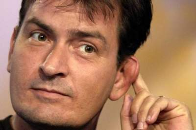Charlie Sheen dice que otras celebridades de Hollywood tienen VIH