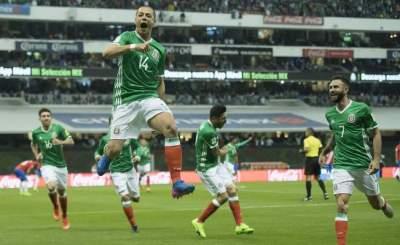 México vence 2-0 a Costa Rica y es nuevo líder del Hexagonal