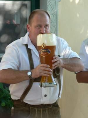 Tomar cerveza te vuelve panzón... ¿Mito o realidad?