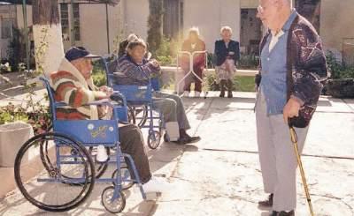 Plantean usar guarderías para ancianos