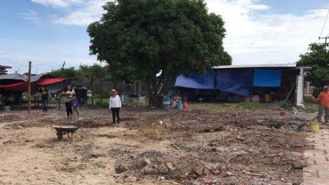 Peña Nieto inicia reparto de tarjetas a damnificados de Oaxaca