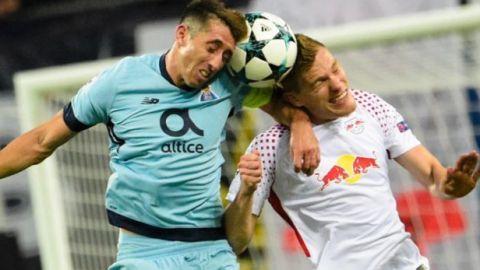 El Leipzig domina al Porto, que alinea a Layún, Herrera y Corona