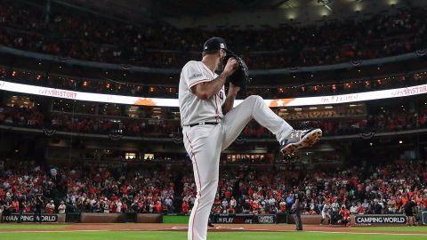 Verlander domina a NY; Astros obligan a decisivo 7mo juego