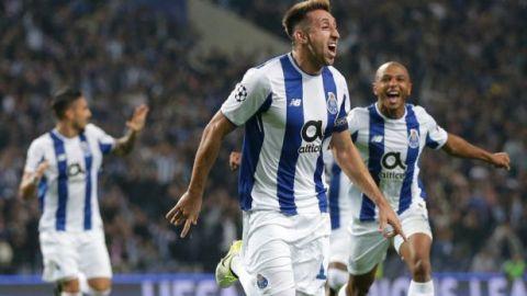 Héctor Herrera anota en triunfo del Porto ante Leipzig