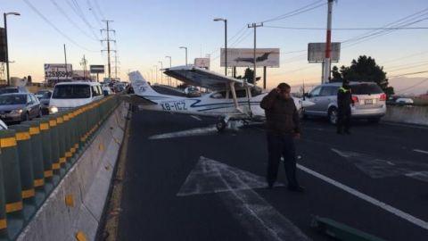 Avioneta aterriza de emergencia sobre Boulevard en Toluca