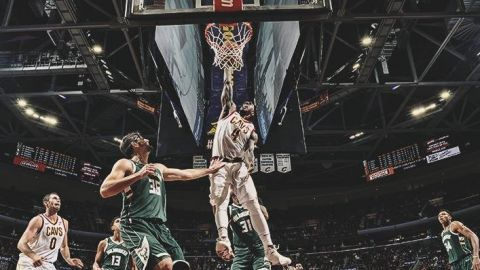 Love y LeBron dan triunfo a Cavaliers sobre Bucks 124-119