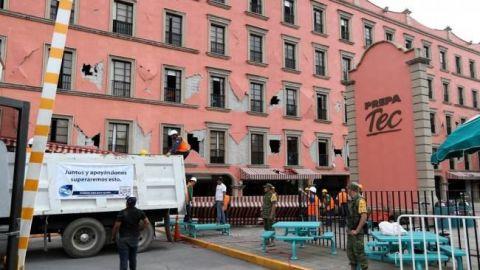 Padres de víctimas de Tec presentan queja ante CDH tras sismo