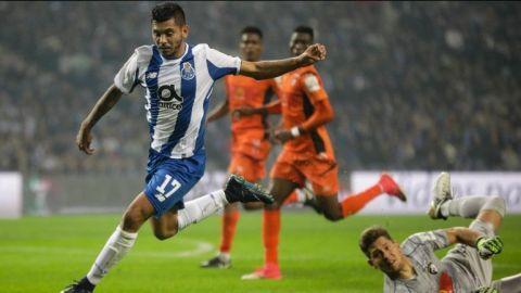 Porto gana de último minuto y evita fracaso en Copa de Portugal