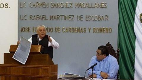 Diputado protesta con chaleco antibalas en Tabasco