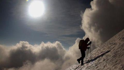 Reportan cinco alpinistas atrapados en el Pico de Orizaba