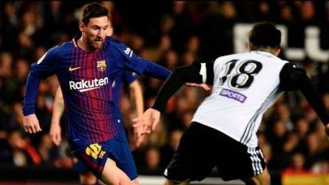 Valencia y Barça igualan duelo intenso con gol no concedido a Messi