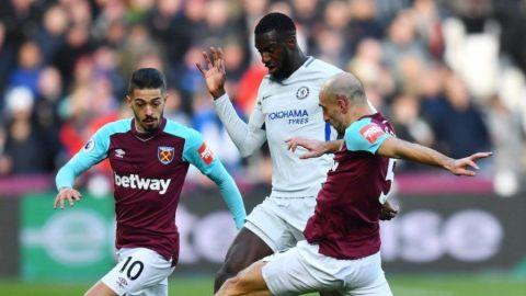 West Ham, sin Chicharito, sorprende al campeón Chelsea