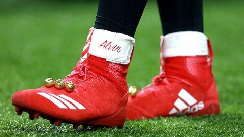 La NFL multa a Alvin Kamara por 'navideño'