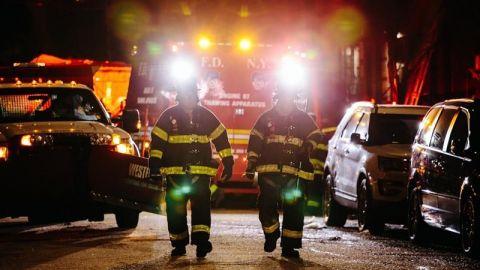 Un niño de 3 años causó el peor incendio en Nueva York en un cuarto de siglo
