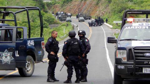 SCT Y Policia Federal se reunieron con transportistas del sur de ensenada