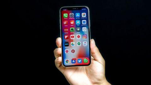 Apple reduce a la mitad la producción del iPhone X, según el WSJ