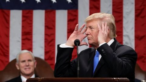 """Trump advierte que no será """"complaciente"""" ante amenazas de Corea del Norte"""