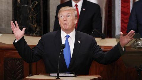 """Trump aboga por """"modernizar y reconstruir"""" el arsenal nuclear de EE.UU."""