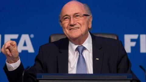 Blatter emprendería acciones legales contra FIFA para limpiar su nombre