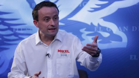 Mikel Arriola rechaza ser intolerante y homofóbico
