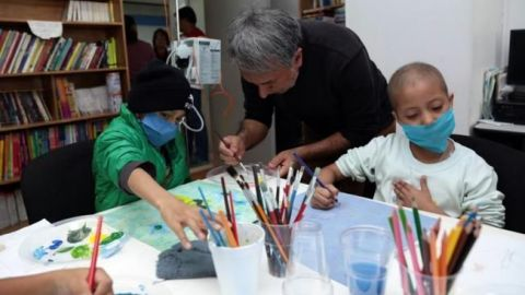 Lanzan guía para que padres conozcan y detecten el cáncer infantil
