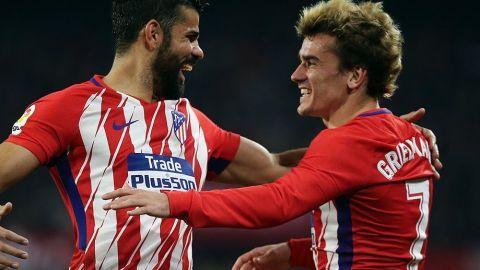 Con Layún de emergente, Sevilla fue aplastado por el Atleti