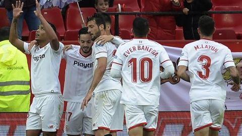 Sevilla hiló triunfos en Liga; Layún fue titular