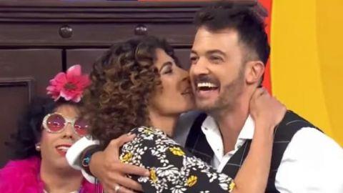 """VIDEO: Fernando del Solar recibe beso de su novia en """"Hoy"""""""