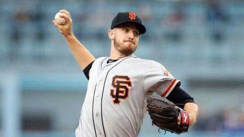 Stratton anula a Padres en blanqueada de Giants 7-0