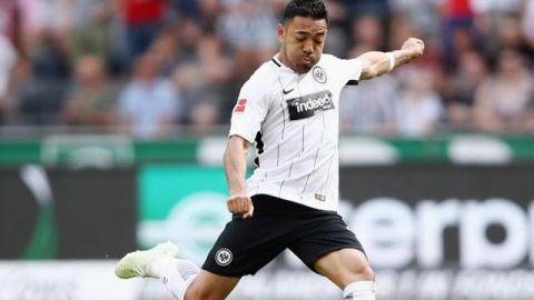 Con Marco Fabián de inicio, el Eintracht no pudo con el Bayern Munich