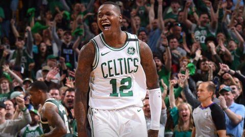Celtics liquidan al fin a Bucks y avanzan