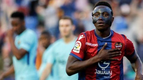 El Levante sorprende y le quita el invicto al Barcelona