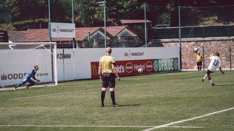 Neuer jugó sin problemas el duelo de preparación con la Sub-20