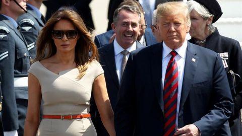 Trump es recibido con una ceremonia militar a la cena con los empresarios