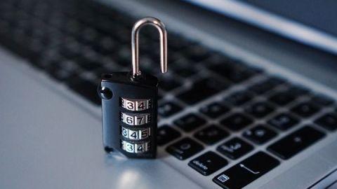 """82% de empleados abren puerta a """"hackers"""" al descargar apps"""