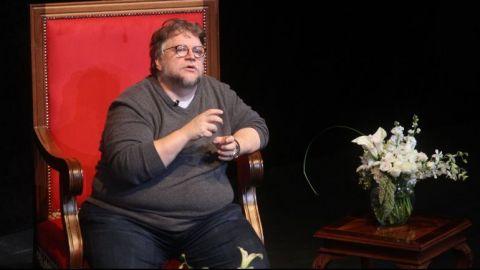 Del Toro pagará gastos del joven que ganó su beca