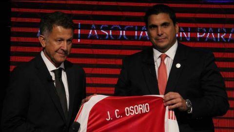 Paraguay presenta a Juan Carlos Osorio como su nuevo entrenador