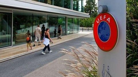 La UEFA dio 'luz verde' a una tercera competición de clubes, según Agnelli