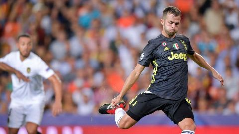 Dos penaltis tras la expulsión de Cristiano dan el triunfo a la Juventus