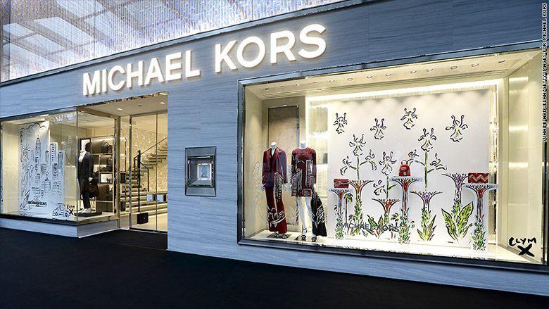 Michael Kors podría comprar Versace por más de 2.000 millones, según WSJ 8e7f01f5b8