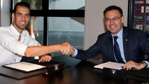 Busquets renovó con el Barcelona hasta 2023