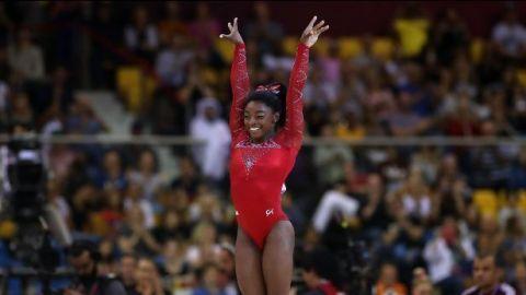 Simone Biles logra su título mundial número 14