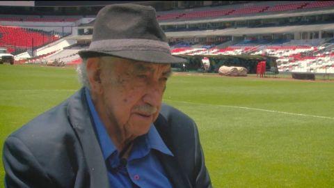 """Fallece a los 90 años """"La voz del Estadio Azteca"""""""