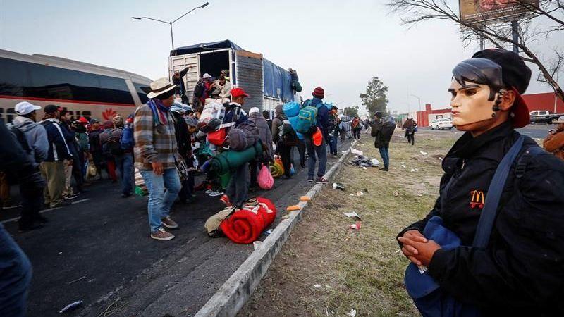 Resultado de imagen para Caravana de migrantes centroamericanos avanza en su trayecto hacia EE.UU.