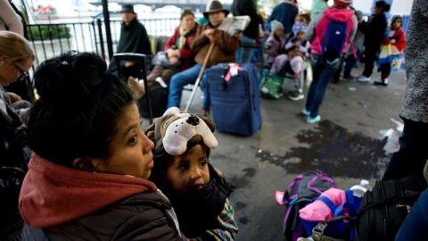 Gobierno de Honduras entrega ayuda humanitaria a migrantes en Tijuana