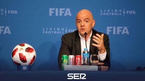 Infantino pondera partidos de Mundial 2022 fuera de Catar