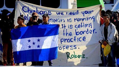 Migrantes esperan respuesta a ultimátum