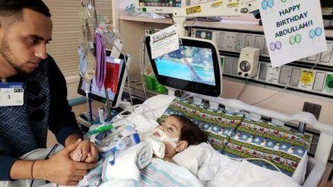 Muere en EEUU niño en estado terminal cuya madre yemení luchó para visitarlo