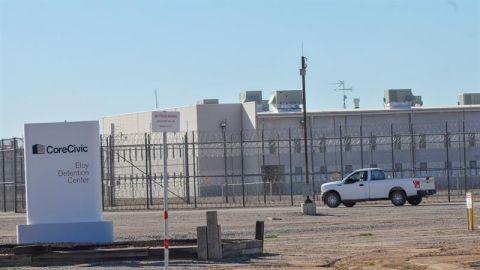 EE.UU. detiene a 25 inmigrantes en intento masivo de cruce ilegal en Tijuana